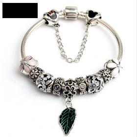 Vòng tay charm bạc thái pan02