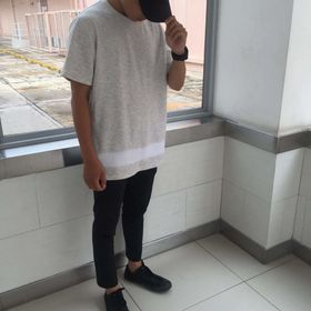 ● Gray t-shirt Unisex