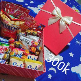 hộp quà bánh kẹo 300k