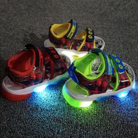 Giày xăng đan bé trai siêu nhân nhện có đèn Led giá sỉ