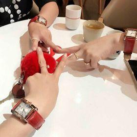 Đồng hồ nữ đỏ