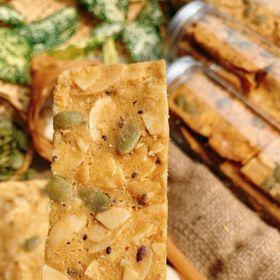 Hủ 150gr Bánh hạnh nhân hạt chia bí xanh đường ăn kiêng - Food by Mama giá sỉ